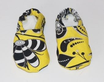 Stay on Booties 0-3 months Yellow, White and Black Floral Print