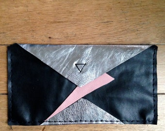 Pouch Black Silver and pink