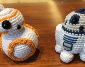 Crochet R2D2 and BB8 pattern