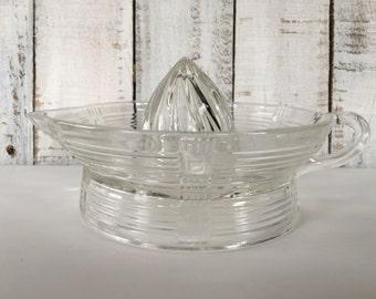 """Hazel Atlas """"Crisscross - Clear"""" Glass Juicer Reamer"""