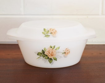 Vintage French Pyrex - Small casserole dish with lid -- Milkglass - 1960's Era