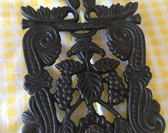 CLEARANCE Cast iron trivet grape