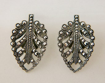 """Vintage Marcasite Clip On Leaf Earrings Silver Tone Estate Costume Jewelry 1-1/4"""""""
