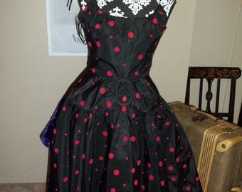 Vintage Taffeta Dress 1950's - I See Spots !!