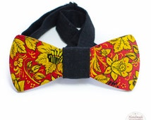 Wooden bow tie with a traditional Russian ornament, painted handmade bow tie, unique bow tie, khokhloma acceccorie