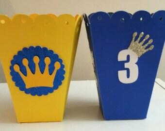 10 Crown Favor Boxes