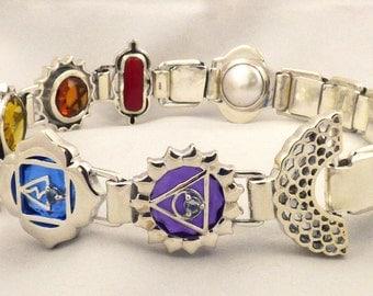 Chakra Design Quartz Crystal Upper Arm Bangle