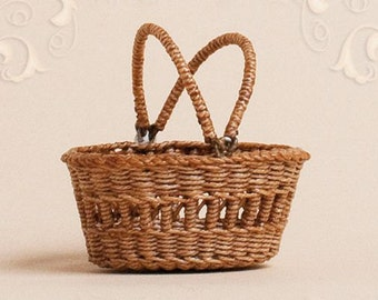 Dollhouse, miniature, wicker, basket, scale 1 : 12, WC/001