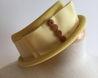 Vintage 60s yellow hat
