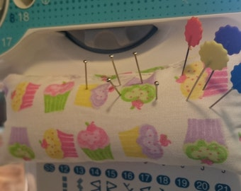 Pincushion for the sewing machine to measure