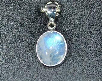 Sterling silver pendant with blue moonstone setting