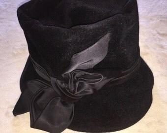 1940s Original Nettie Young Ladies Hat Black Velvet, Silk