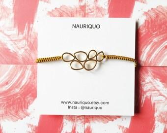 Bracelet handmade macrame with Golden fine gold Pearl