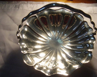 elkington & co elkington plate swing handle bonbon/biscuit tray 1914