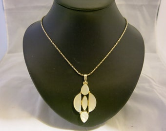 Mother of Pearl and silver Deco-Style Pendant /necklace