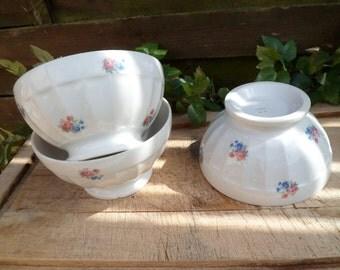 3 old bowls, trio of flower Bowl, Bowl old pedestal flowered in red and blue, bowl porcelain, old Bowl, Bowl blossomed, breakfast