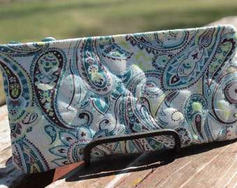 Cream, Turquoise & Brown Paisley Clutch