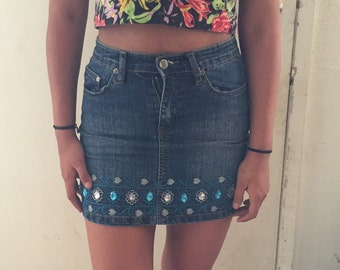Short vintage high waisted mini skirt with blue and white rhinestones