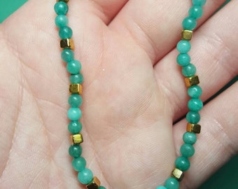 Delicate amazonite and gold beaded bracelet