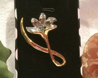 Beautiful Vintage TWO Tone-Gold and Silver-Abstract Design FLOWER Brooch with Lovely Little BLUE Stones in the Centre