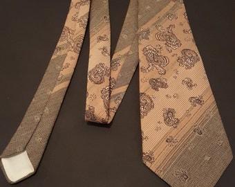 Vintage 1970s John Collier Sovereign Paisley Kipper Tie
