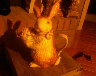 Longaberger bunny teapot new in box