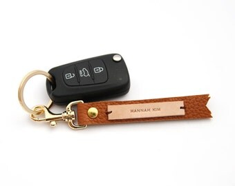 Tan leather custom made key ring, Personalized key chain, Name tag, Kid bag tag, School luggage tag, Identification tag, Wedding favors