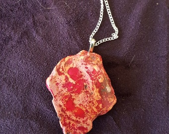 Pink variegated agate necklace.