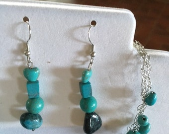 32 turquoise stones on silver wire