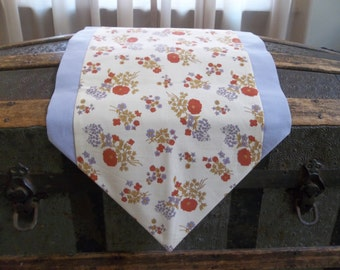 CLEARANCE - Country Table Runner - Lavender Floral