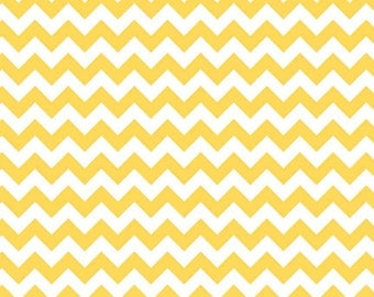 Medium Chevron - Yellow - by Riley Blake Designs (Yardage, 100% Cotton Quilting Fabric)