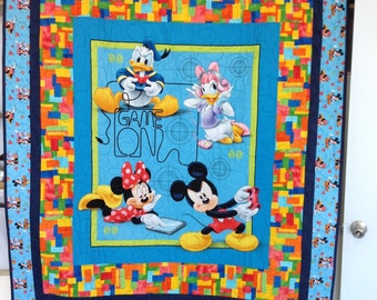 Micky Mouse child's quilt