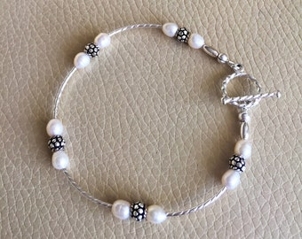 Bridal Bracelet with Freshwater Pearls & Bali Beds // gift for her // keepsake