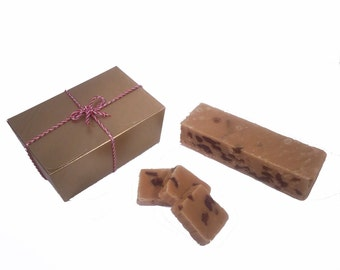 Rum & Raisin Handmade Fudge 300g Gift Box