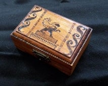 Winged Lion Dice Box | wooden box with pyrography