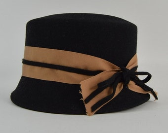 Women's black felt Frank Olive hat with taupe ribbon