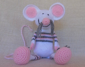 Mouse crochet Souricette the careful
