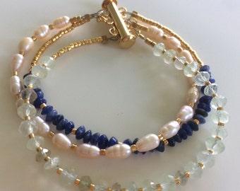 Peridot, lapis and freshwater pearl bracelet