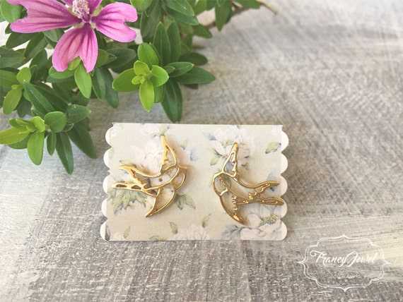 Gold earrings, swallow jewels, stud earring, bird swallow earrings, elegant jewelry, birthday gift, hand carved jewelry