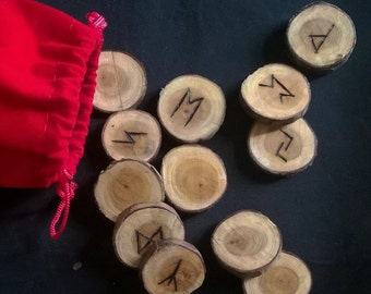 Rune set on Yew pieces for divination (set AC904)