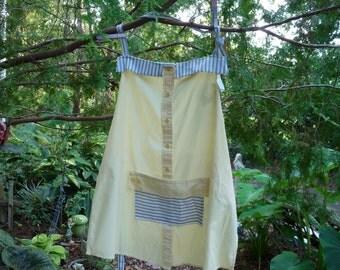 Apron Yellow poplin w/blue ticking trim