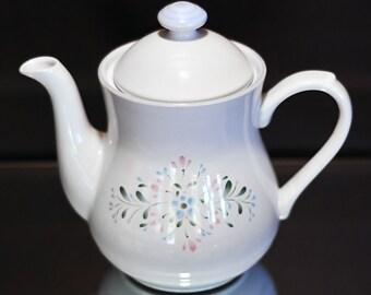 Fascino Stoneware Teapot