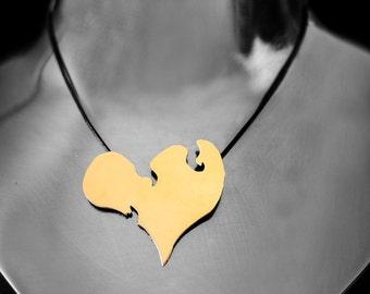 Heart pendant in brass