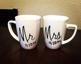 Personalized Mr & Mrs Mug Set - Wedding Gift