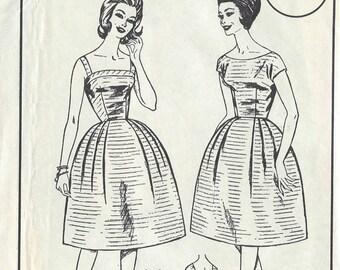 "1950s Vintage Sewing Pattern B32"" DRESS & BOLERO JACKET (121) Womans Realm L41"