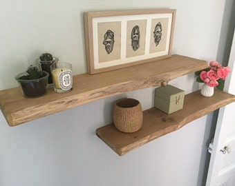 Shelf in solid oak, invisible fixation