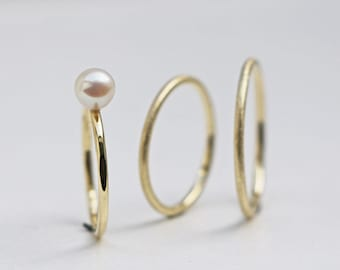 Wedding rings with Pearl
