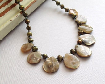 Mother of pearl and freshwater pearl beaded necklace