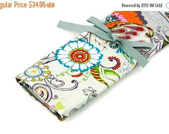 Sale 25% OFF Large Knitting Needle Case Organizer - Quill - 30 gray pockets for circular, straight, dpn, or paint brushes