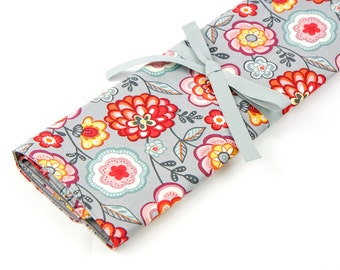 Large Knitting Needle Case Organizer - Loose Floral - 30 gray pockets for circular, straight, dpn, or paint brushes
